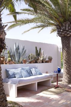 The very chill house of Jade Jagger in Formentera - DIY Decor Ideas Outdoor Rooms, Outdoor Living, Outdoor Furniture, Outdoor Decor, Cheap Home Decor, Home Remodeling, Living Spaces, Living Room, Home And Garden