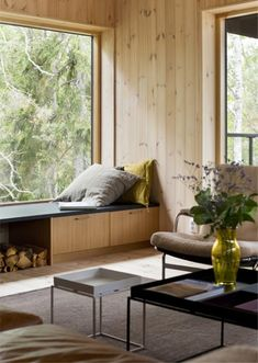 If I were to build a cabin vacation house, it might just look something like this from Stromma Project. Described as a vacation house, modern cabin Wood Interiors, Cabin Interiors, Villa Design, House Design, Interior Architecture, Interior And Exterior, Building A Cabin, Building Homes, House In The Woods