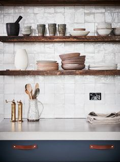 Chalk Cotto Zellige Tiles: Natural Stone Wall Cladding by Eco Outdoor Modern Farmhouse Kitchens, Rustic Kitchen, Farmhouse Decor, Country Farmhouse, Rustic Decor, Home Decor Items, Home Decor Accessories, Cheap Home Decor, Natural Stone Wall