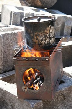 (DIY) How to make an Ammo Can Stove - http://SurvivalistDaily.com/how-to-make-an-ammo-can-stove/