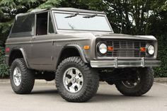 1973 Ford Bronco | Mainly Muscle Cars Old Bronco, Early Bronco, Classic Bronco, Classic Trucks, Cool Trucks, Cool Cars, Broncos Pictures, Ford Girl, Hot Rides