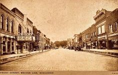 Front Street, Beaver Dam, Wisconsin, 1930s. Source: Dodge/Jefferson Counties Genealogical Society