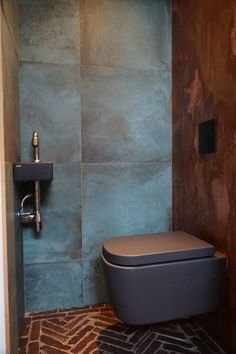restaurant bathroom Best remodeling small office toilet on a budget 13 Restaurant Bad, Toilet Restaurant, Restaurant Bathroom, Office Bathroom, Bathroom Toilets, Modern Bathroom, Small Bathroom, Bathroom Plans, Bathroom Colors