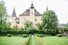 Page not found - Carolin Anne Fotografie - Wedding Photographer from Linz, Austria Romantic Weddings, Austria, Wedding Cakes, Castle, Bouquet, Mansions, House Styles, Flowers, Inspiration