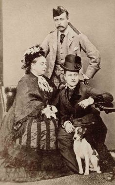 Queen Victoria with her son Prince Arthur Duke of Connaught and her daughter Princess Beatrice Queen Victoria Children, Queen Victoria Family, Queen Victoria Prince Albert, Victoria Reign, Victoria And Albert, Princess Louise, Princess Beatrice, Princess Elizabeth, Royal Families