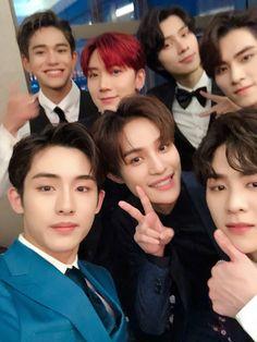 ♡ lq nct ㅡ wayv . Winwin, Lucas Nct, Extended Play, Taeyong, K Pop, Jaehyun, Nct 127, Grupo Nct, Johnny Seo