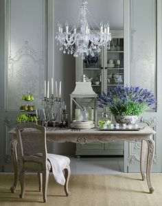 Find the right French country dining table for your home decor, whether it's a rustic French country table or a more ornate white shabby chic pedestal table French Interior, French Decor, French Country Decorating, Interior Design, Swedish Decor, Classic Interior, Interior Ideas, Interior Inspiration, French Country Dining Room