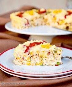 O salata de pui cu ananas, cu tente orientale, este foarte gustoasa si potrivita pentru orice masa festiva. Mai simplusi mai rapid decat de pregatit decat salata de boeuf, o sa va cucereasca si o veti repeta cu siguranta de cate ori veti avea de pregatit mai multe aperitive. Healthy Salad Recipes, My Recipes, Cooking Recipes, Favorite Recipes, Crab Stuffed Avocado, Cottage Cheese Salad, Salad Design, Salad Dishes, Romanian Food