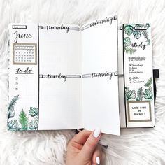 I'm amazed at how beautiful and unique this spread is by @bulletjournalbymarieke What do you think?