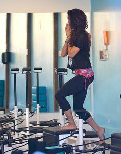 Barefoot Celebrities: Vanessa Hudgens barefoot in the gym