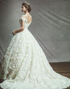 Blanc Neul Wedding Dresses