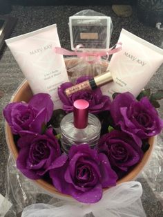 Give her a Bouquet she will LOVE!!!  Mother's Day will be here before you know it.  Contact me today to place your order.  www.marykay.com/tgenz