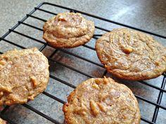 the preppy paleo: Grain-Free Honey & Walnut Cookies Gluten Free Sweets, Paleo Dessert, Healthy Sweets, Healthy Food, Healthy Eating, Paleo Cookies, Gluten Free Cookies, Honey Cookies, Drop Cookies