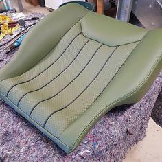 Sofa Furniture, Luxury Furniture, Car Seat Upholstery, Custom Car Interior, Range Rover Classic, Car Interiors, Diy Wood Projects, Custom Cars, Luxury Cars