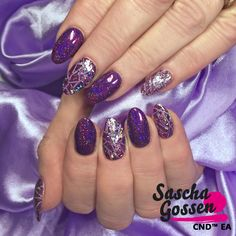 Rock Royalty Rocks!!! CND™ SHELLAC™ Beckoning Begonia with Rock Royalty, Lecenté glitters Pop and foil. #naildesign #nailpro #style #cnd #color #cndworld #cndshellac #cndgowithapro #creative #Lecenté #liquidandpowder #nailart #nails #nails2inspire #nailstagram #foil #glitter #instanails #inspiration #saschagossen @cndworld @laprofilique @lovelecente