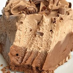 No bake Nutella Pie has two layers of creamy, sweet Nutella cheesecake inside a premade chocolate graham cracker crust. Only 6 ingredients! Nutella Pie, No Bake Nutella Cheesecake, Chocolate Cheesecake Recipes, Cheesecake Pie, Pie Recipes, Baking Recipes, Dessert Recipes, Easy Recipes, Cake