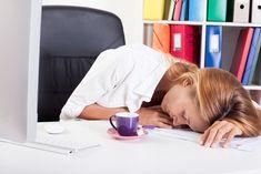 L'alimentation est primordiale pour lutter contre la fatigue à la ménopause. Les aliments anti-fatigue peuvent vous aider à combattre ce symptôme. Anti Fatigue, Menopause Symptoms, Signs And Symptoms, Book Characters, Get Over It, Did You Know, Detox, In This Moment, Solution