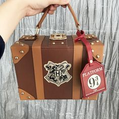 Harry Potter Suitcase, Harry Potter Bag, Harry Potter Decor, Harry Potter Tumblr, Harry Potter Outfits, Harry Potter Pictures, Harry Potter Quotes, Harry Potter Hogwarts, Harry Potter Backpack