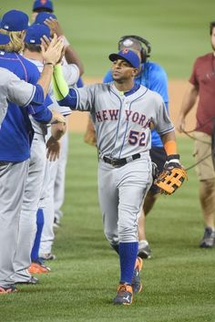 Yoenis Cespedes and teammates at WSH // Sept 2015