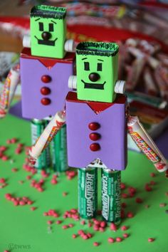 Candy Frankenstein -- cute and EASY Frankensteins made from candy