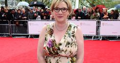 """""""Comedian's Response to Criticism of Her Red Carpet Look Deserves a Standing Ovation."""""""