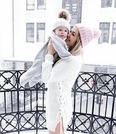 Nydelig gave til de minste - Stjerne Wrap Family First, Family Goals, Kids And Parenting, Cuddling, The Dreamers, Little Ones, Baby Kids, Pregnancy, Winter Hats