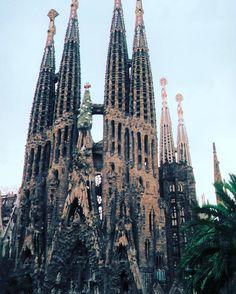 Oh my Gaudi! Exploring the amazing architecture of Barcelona. - - - (Photo: Sarah   Fall 2016 student in Barcelona) #studyabroad #ceaAbroad #travel #internship #Barcelona #Spain #SagradaFamilia  #Regram via @ceastudyabroad