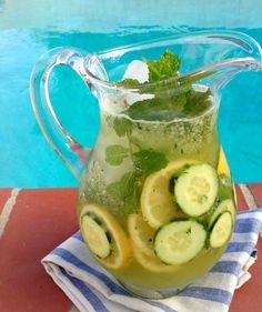 Cucumber Lemonade Recipe: cucumber, lemon and mint make this perfectly quenching healthy lemonade for a hot summer day. Strawberry Basil Lemonade, Healthy Lemonade, Mint Lemonade, Vodka Lemonade, Homemade Lemonade, Detox Recipes, Tea Recipes, Recipies, Turmeric Recipes