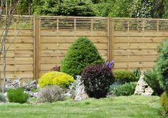 http://jagram.com.pl/blog/instrukcja-ogrodzenia-panelowego-na-twardej-powierzchni1/  Jak zamontować płot drewniany na twardej powierzchni? Na tarasie lub na betonie?