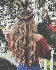 Easy half up half down hairstyle,easy half up hairstyle in 1 min,boho hairstyle,. - Hair and Beauty Curly Hair Braids, Long Braids, Fishtail Braids, Kinky Hair, Curly Braided Hair, Braids And Curls, Boho Braid, French Braid Ponytail, Braid Crown