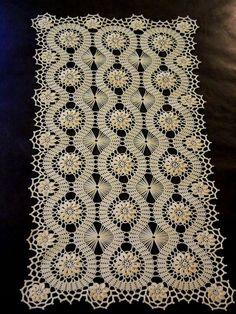 Diy Crafts - Bruges Lace Crochet doily for a tea tray. Filet Crochet, Art Au Crochet, Mode Crochet, Crochet Motifs, Single Crochet Stitch, Crochet Home, Irish Crochet, Crochet Doilies, Crochet Flowers