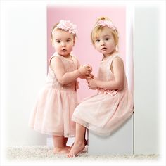 Helemaal gek op roze. #roze #prinsesjes #kinderen #fotografie #kinder #kinderfotografie #kinderfotograafpatrick