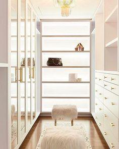 trendy white closet bedroom decor walk in Walk In Closet Design, Bedroom Closet Design, Closet Designs, Bedroom Decor, Walk In Robe Designs, Custom Closet Design, Men Bedroom, Modern Master Bedroom, Custom Closets
