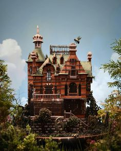 Amazing Miss Peregrine's House done in Gingerbread by Christine McConnell From @christinemcconnell on Instagram