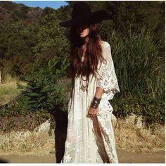 Kelley Ash // lace dress