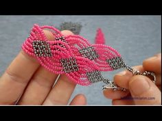 Abiye Bileklik Yapılışı - YouTube Beaded Bracelets Tutorial, Diy Bracelets Easy, Bracelet Crafts, Jewelry Crafts, Beaded Crafts, Handmade Beaded Jewelry, Beaded Jewelry Patterns, Bracelet Patterns, Seed Bead Jewelry