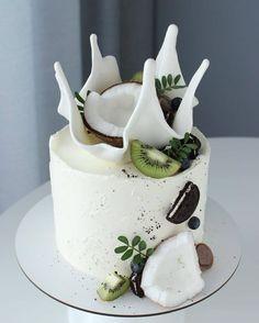 Pretty Birthday Cakes, Pretty Cakes, Beautiful Cakes, Amazing Cakes, Diy Birthday, Gateau Aux Oreos, Cake Recipes, Dessert Recipes, Salad Recipes