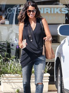 Star Tracks: Monday, October 13, 2014 | HAIR IT IS | Halle Berry shows off her new longer locks as she leaves a salon in Hollywood on Friday.