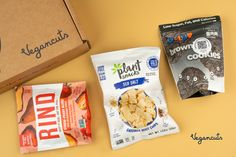 DID YOU KNOW the Vegancuts April Snack Box is filled with 11 snacks to satisfy your April #chocolate 🍫 cravings, all while supplying you with pantry essential snacks? Here's a sneak peak: -Sea Salt Cassava Chips -Brownie Cookies -StrawPeary Dried Fruit Blend. 😋🙏Get your snack on while supporting Stardust Animal Sanctuary, where rescued animals with special needs get lifelong care.