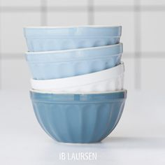 Tones of the blue summer sky... #mynte #stoneware #iblaursen #müslibowl #nordicsky #cornflower #purewhite #iblaursen #iblaursenmynte  #myntecornflower #cornflower #stentøj #kitchenpassion #inredning #homeinterior4you #decor #nordic #dream_interiors #interiorinspiration #interieur #interiørmagasinet #interior_and_living #inredningsdesign #boheme #vakrehjemoginteriør Muesli, Plates And Bowls, Stoneware, Ceramics, Tableware, Instagram Posts, Kitchen, Dinnerware, Happy Monday