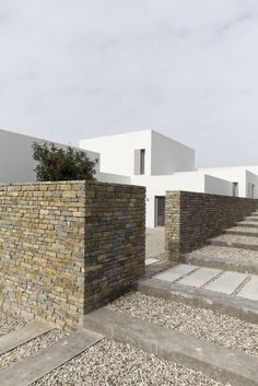 Paros House by John Pawson – Photo 2 of 4 – – Interior Design Addict A As Architecture, Residential Architecture, Contemporary Architecture, Casa Patio, Brickwork, Modern House Design, Modern Houses, Exterior Design, Building A House