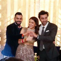 Probably the cutest picture of tonight.. Channa Mereya got real  Ranbir Kapoor at Virat and Anushka's reception  Follow @filmygyan for more updates ❤️