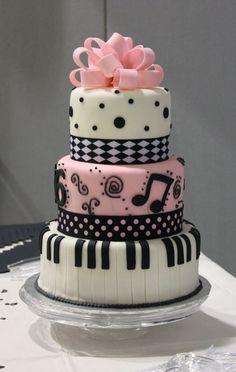 Piano Sweet 16 Cake - Side view