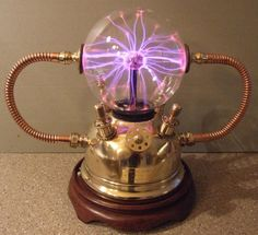 Visit artypiston-broke.weebly.com for a description of the making of this Steampunk Plasma Ball and other great stuff.