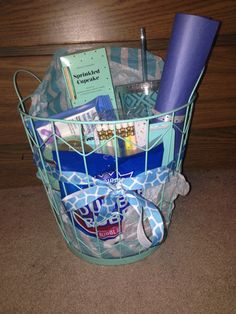 This was a practical and fun way to gift baby clothes for a baby this was a practical and fun way to gift baby clothes for a baby shower diy babyshower gift cute sock clothesline babyclothes laundrybasket solutioingenieria Choice Image