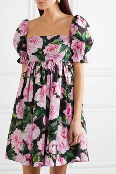 Find and compare Shirred floral-print cotton mini dress across the world's largest fashion stores! Comfy Dresses, Cute Dresses, Short Dresses, Mini Dresses, Mini Dress Formal, Fancy Dress, Flower Dresses, Maternity Dresses, Curvy Fashion