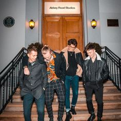 Their smiles light up my day😊❤️ Bradley Simpson, Music X, Sound Of Music, Cute Boys, My Boys, Brad The Vamps, Artsy Background, Will Simpson, New Hope Club