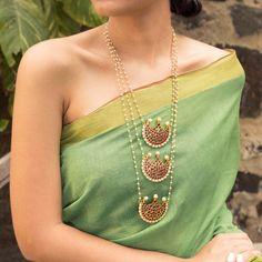 Designer Jewelry Long Necklace 3 Layered Motif Designs With Kemp Stones – Jumkey Fashion Jewellery Long Pearl Necklaces, Jewelry Necklaces, Gold Necklace, Silver Earrings, Craft Jewelry, Pendant Necklace, Silver Jewelry, Pearl Pendant, Pandora Jewelry