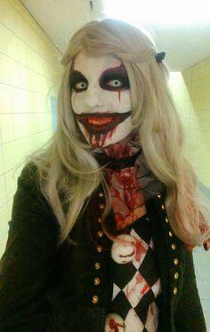Blutiger Horrorclown, der Schrecken unserer Manege. Da hat niemand etwas zu lachen! Halloween Kostüm, Halloween Face Makeup, Scary Halloween, Laughing