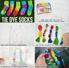 Use Rainbow One-Step Tie-Dye Kit to refashion your favorite fashion basics. These brilliant, highly Tye Dye, Fête Tie Dye, Tulip Tie Dye, Tie Dye Party, Tie Dye Kit, How To Tie Dye, How To Dye Fabric, Diy Tie Dye Socks, Diy Tie Dye Shirts